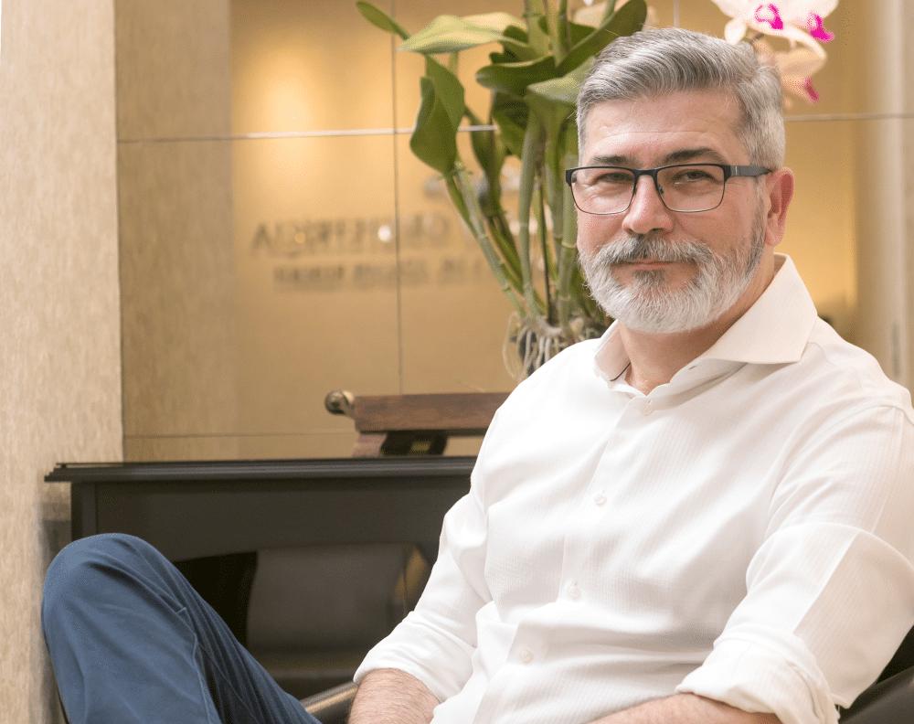 Dr. Ademir Reberti - Obstetra Joinville